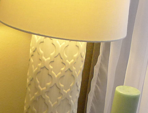 Lamp, Table White Ceramic Quatrafoil Pattern  $30